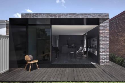 Llewellyn House by studioplusthree; photo by Brett Boardman.