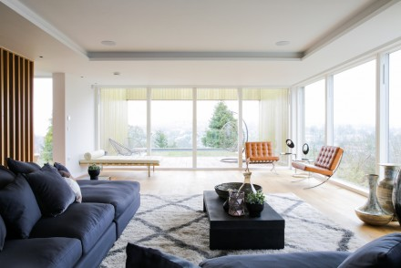 Withdean Road in Brighton, designed by John Pardey Architects, marketed by Aucoot; photography by Aucoot.