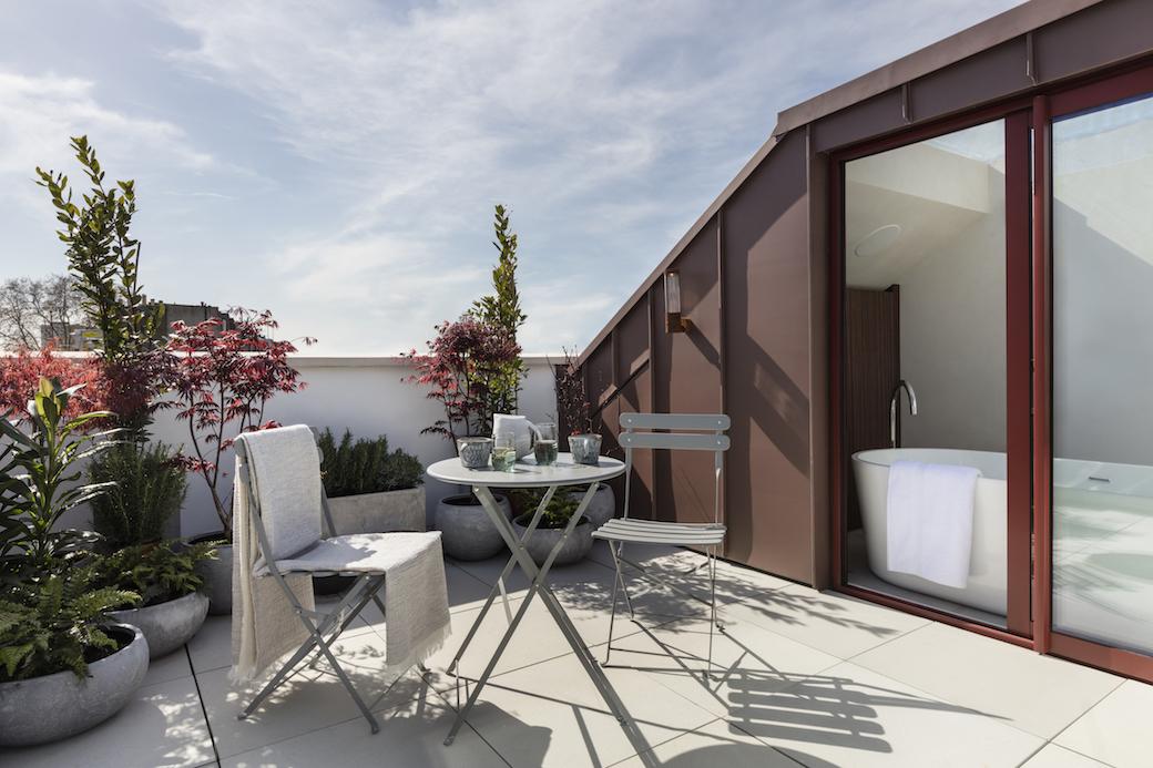 Kenure House, Holland Park, designed by Echlin, marketed by Domus Nova. Photography by Nathalie Priem.